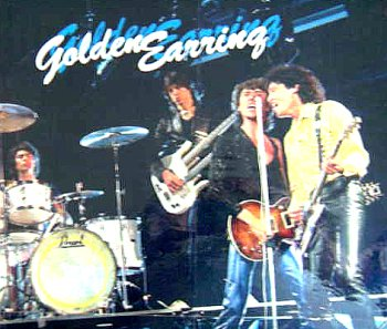 images/slider_ge_breitband/1981_band_01.jpg
